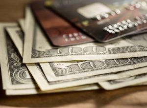 เคล็ดลับในการใช้บัตรกดเงินสดและสินเชื่อเงินสด